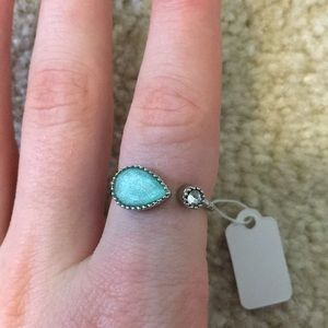 Jewelry - Adjustable turquoise colored stone silver ring